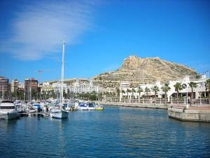 Fotka z Alicante (zdroj: http://commons.wikimedia.org/wiki/File:Ciudades-alicante.jpg)